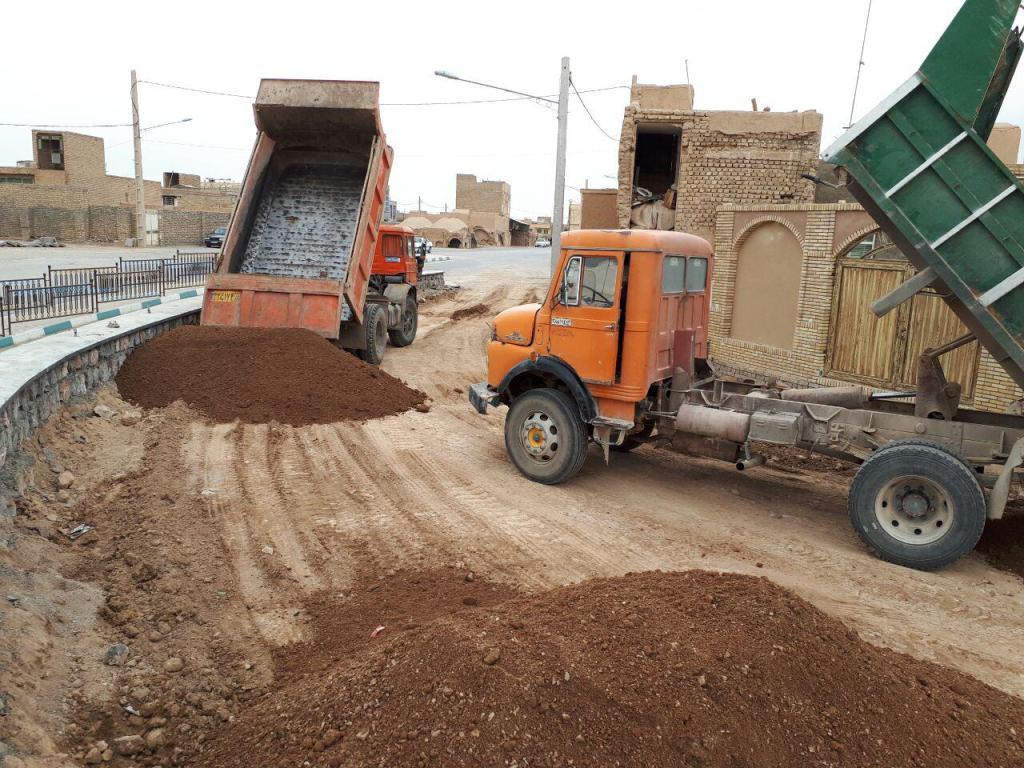 اتمام عملیات اجرای دیوار سنگی رمپ ورودی زیر گذر و آغاز عملیات زیر سازی رمپ پل زیرگذر
